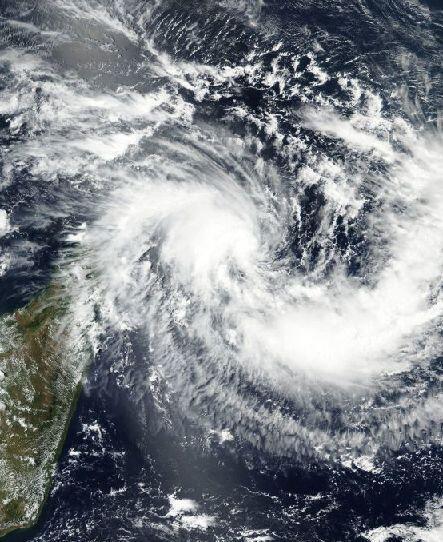 Formé dans l'océan Indien, le cyclone Enawo a frappé il y a à peine un an les côtes nord-est de Madagascar.