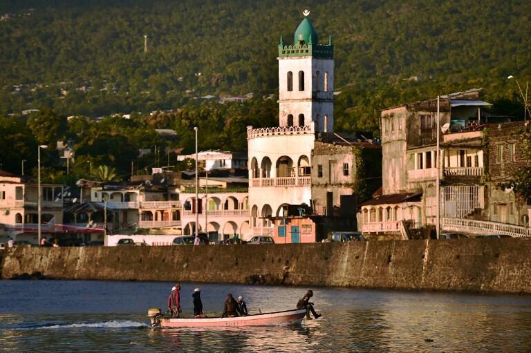 Une vue de Moroni. L'archipel des Comores, qui compte 800 000 habitants, dispose d'une diaspora en France forte de 300 000 personnes, dont la générosité est essentielle à la vie économique locale.