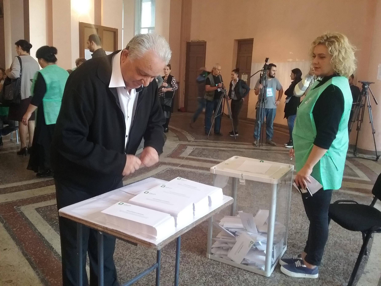 Избирательный участов во время парламентских выборов в Грузии, 8 октября 2016 год