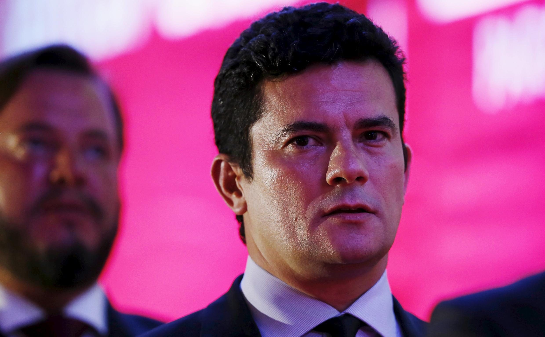 On reproche au juge Sergio Moro d'avoir rendu public l'enregistrement d'une conversation entre Lula et Dilma Rousseff