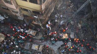 Vista parcial do entreposto onde se teria declarado o incêndio, na parte velha de Daca, capital do Bangladesh, a 21 de Fevereiro de 2019
