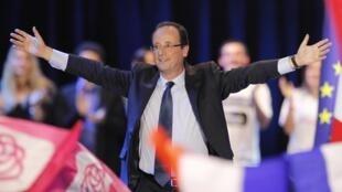 François Hollande, le candidat socialiste à la présidentielle française, à Rennes, le 4 avril 2012.