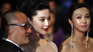 Đạo diễn Vương Tiểu Soái (trái) và các diễn viên Phạm Băng Băng (giữa), Lý Phi (phải) tại Liên hoan điện ảnh Cannes lần thứ 63.