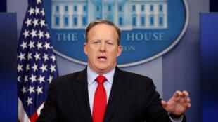 美國白宮發言人舉行新聞發布會。2017-02-03