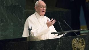 Le pape François a reçu le prix Charlemagne le 23 décembre pour ses encouragements et ses messages d'espoir pour la paix et le vivre-ensemble.