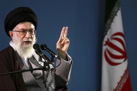 """Líder supremo do Irã, Ali Khamenei, sem papas na língua: """"Trump é um cabeça oca"""""""