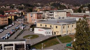 Vue de l'hôpital d'Alzano Lombardo, non loin de Bergame. Un foyer majeur de l'épidémie de coronavirus.