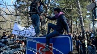 پناهجویان در مرز ترکیه و یونان