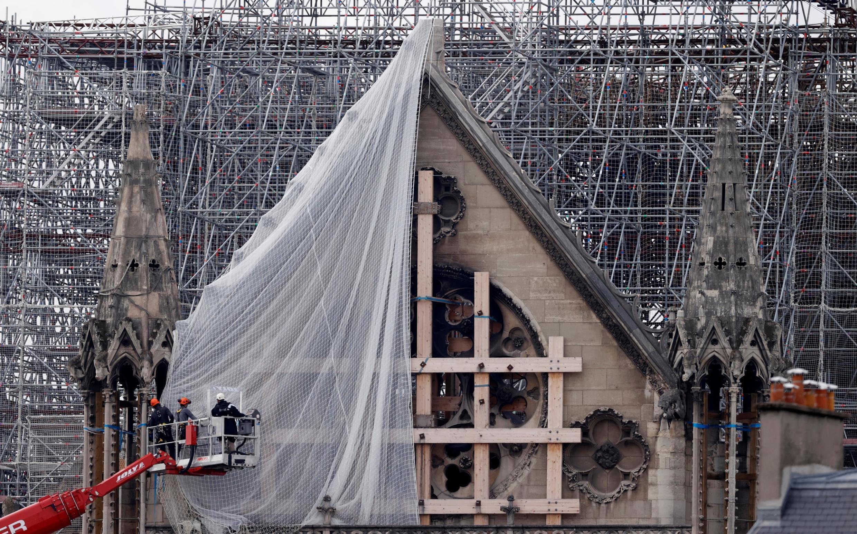 9 июля 29290 года президент Макрон объявил решение Государственной комиссии по наследию и архитектуре (CNPA): собор восстановят «в прежнем виде».