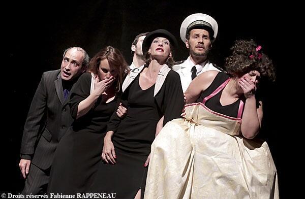 """""""Esperanza"""" de Zanina Mircevska en el teatro Vingtième de París."""