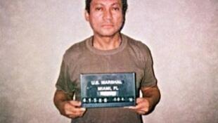 L'ex-dictateur Manuel Noriega extradé vers la France, le 26 avril 2010. Ici, à Miami, en janvier 1990.