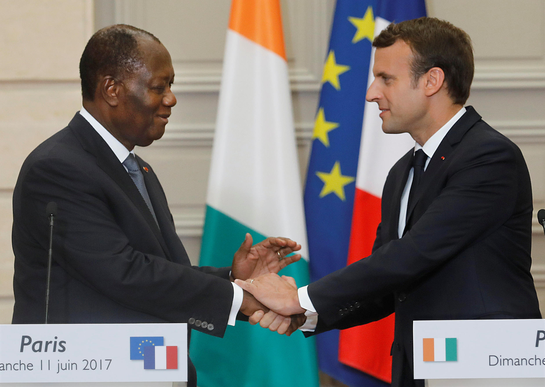Alassane Ouattara et Emmanuel Macron au palais de l'Elysée, le 11 juin 2017. (Image d'illustration)