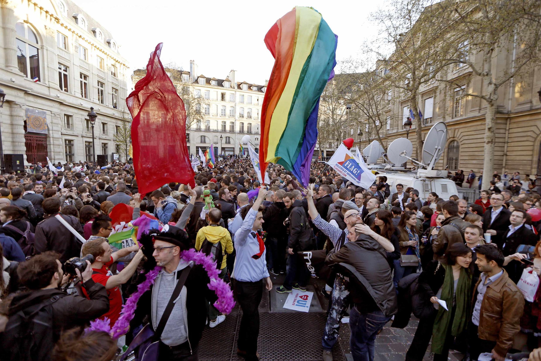 Des partisans du mariage gay, à Paris, le 23 avril 2013.