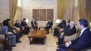 Le médiateur international Lakdar Brahimi reçu par le président syrien Bachar el-Assad le 15 septembre 2012 à Damas.