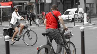 Deputados avaliam que ciclistas devem ser punidos ao desrespeitar o Código de Trânsito.