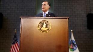 Mitt Romney prononce un discours de politique étrangère à l'Institut militaire de Virginie le 8 Octobre 2012 à Lexington.