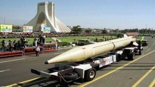 """موشک بالیستیک ایران """"شهاب ۲ """""""