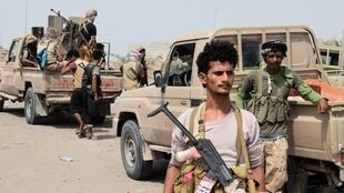 Les forces pro-governementales en direction du port d'Hodeida, lors des combats contre les rebelles houthis, le 6 novembre 2018.