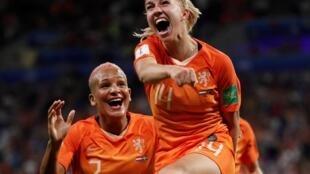 La joie de Jackie Groenen, auteur du but qui ouvre la voie de la finale aux Pays-Bas.
