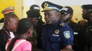 (illustration) Le général John Numbi alors qu'il était chef de la police de Kinshasa en juin 2011.