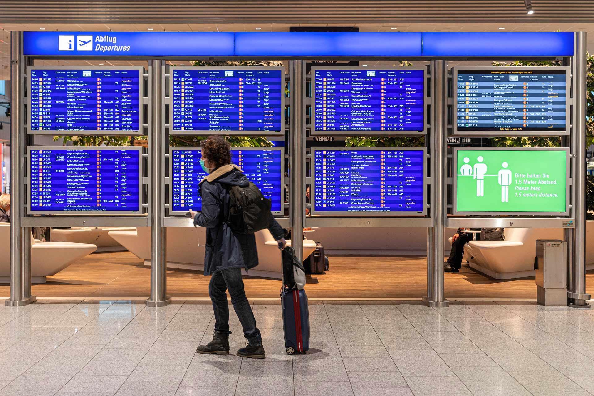 airport-coronavirus-transport-avion-voyage-aéroport