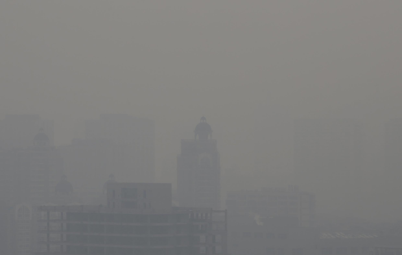 Pékin noyée dans un épais brouillard de pollution.