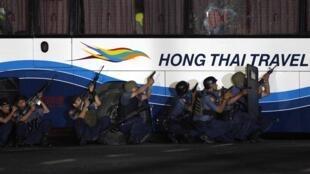 El ex policía Rolando Mendoza que secuestró el autobús mató a ocho personas.
