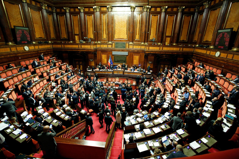 Com um voto de confiança, o Senado da Itália aprovou Decreto de Segurança e Imigração