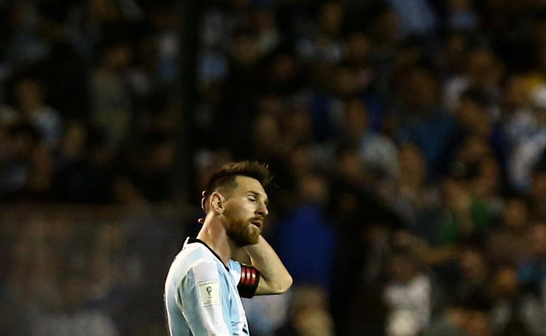 Lionel Messi durante el partido de Argentina contra Perú, el 5 de octubre de 2017 en La Bombonera, Buenos Aires.