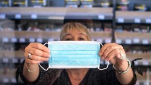 La transmisión del virus se redujo más del 60% cuando se colocaron mascarillas entre la jaula de los hámsteres sanos y la de los infectados