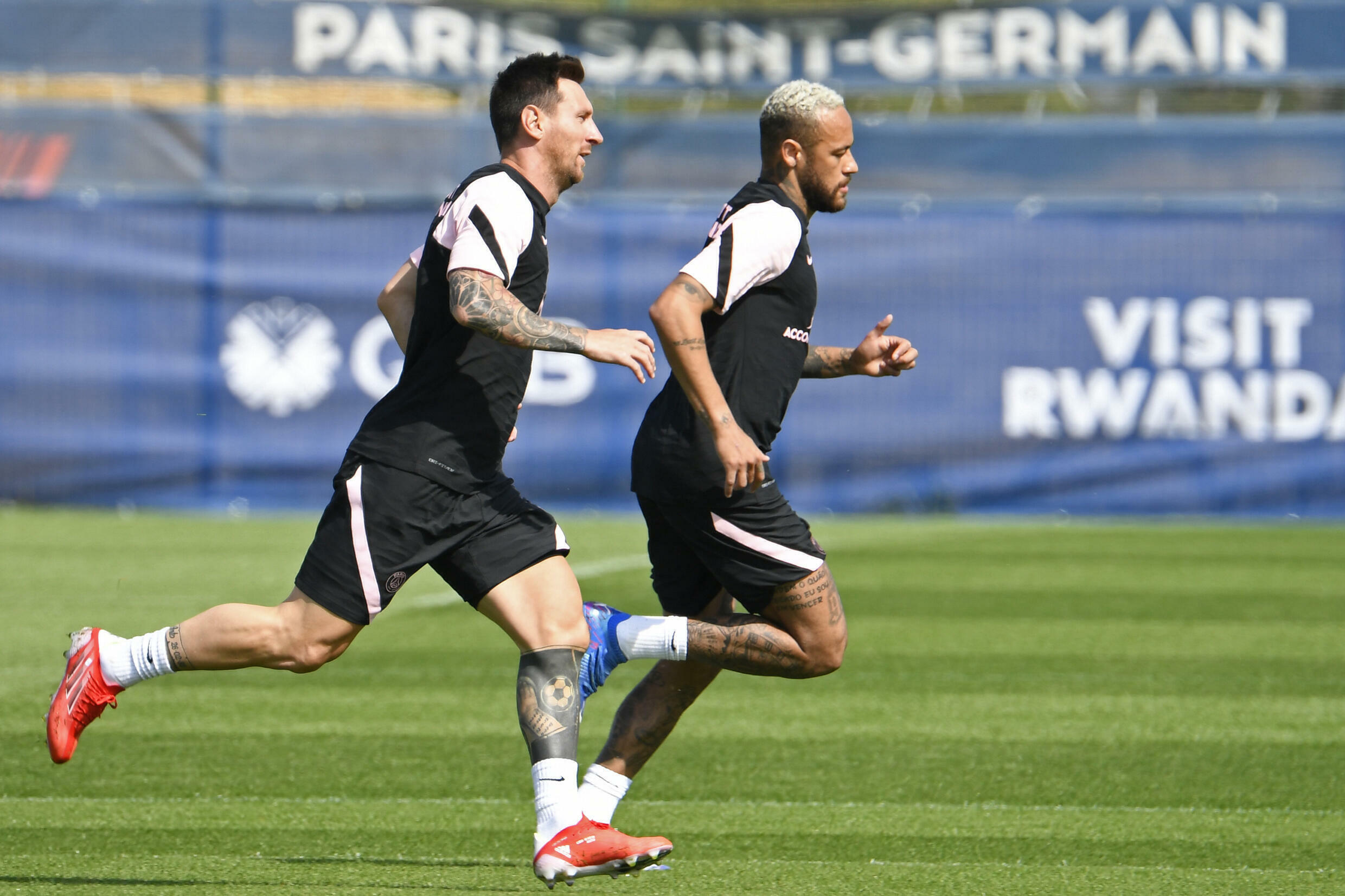 in the wings: Lionel Messi and Neymar are training but will not play for Paris Saint-Germain against Strasbourg