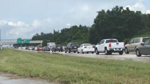 Жители Флориды покидают штат из-за надвигающегося урагана, 8 сентября 2017 года.