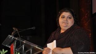 Хадижда Исмаилова на церемонии вручения ей премии «За смелость в журналистике», Нью-Йорк, 2012.