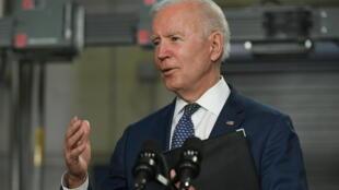 El presidente de Estados Unidos, Joe Biden en un discurso en Norfolk, Virginia, el 3 de mayo de 2021