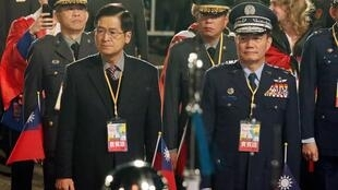 Tổng tham mưu trưởng, tướng Thẩm Nhất Minh (P) tại buổi lễ chào cờ mừng Năm Mới tại Đài Bắc ngày 01/01/2020.
