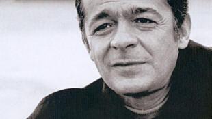 """Carátula de la antología """"Serge Reggiani, las 100 canciones más bellas""""."""