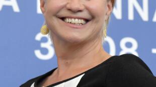 C'est l'actrice Trine Dyrholm qui tient le rôle de Nico dans le film « Nico 1988 ».