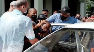 Arrestation après les manifestations inédites à Cuba