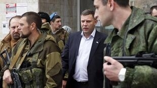 Alexandre Zakhartchenko, le Premier ministre de la république autoproclamée de Donetsk, à la sortie de la première session du Parlement, le 14 novembre à Donetsk.