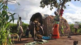 Dans le village de Rwamutunga, les familles sont rentrées chez elles, novembre 2017.