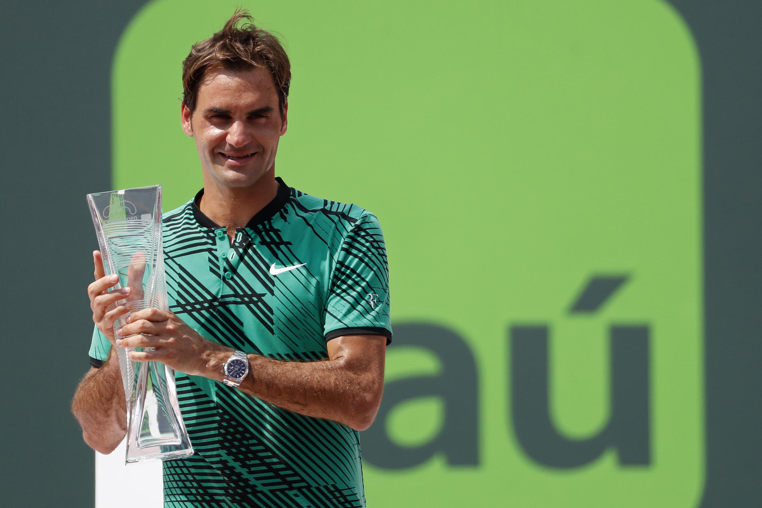 Roger Federer claimed his third Miami Open title after a straight sets win over Rafael Nadal. The Swiss also beat the Spaniard in the 2005 final.