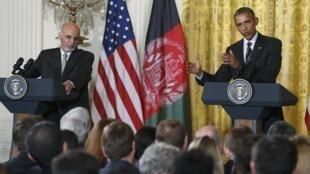 Le président afghan Ashraf Ghani et le président américain Barack Obama, lors d'une conférence de presse, le 24 mars 2015, à la Maison Blanche.
