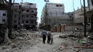 Ngome ya upinzani Mashariki mwa Ghouta baada ya vita kusababisha watu kukimbia makwao