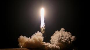 SpaceX doit acheminer le mois prochain des astronautes vers la Station spatiale internationale pour la première fois, avec un lanceur Falcon 9 réutilisable.