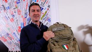 Caio Giulio Cesare Mussolini, l'arrière-petit-fils de Benito Mussolini se présente aux européennes sur la liste du parti souverainiste Fratelli d'Italia.
