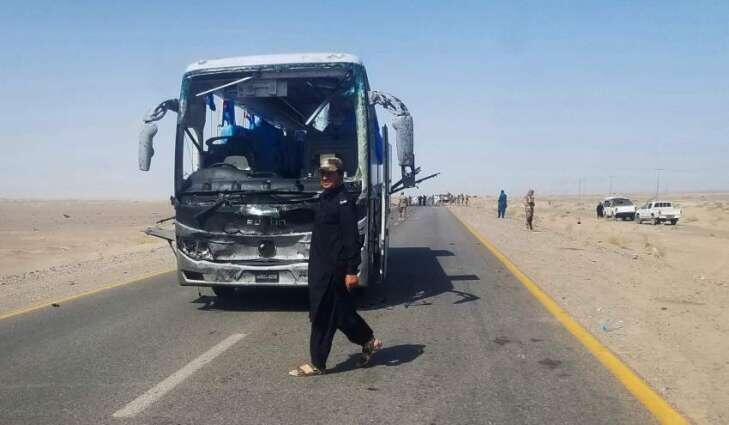 當地運送中方人員車隊中受襲的巴士資料圖片