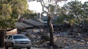 O número de mortos pelos devastadores deslizamentos de terra na Califórnia subiu para 17 nesta quarta-feira (10).