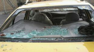 خودروی حامل علی مطهری پس از حمله لباس شخصیها