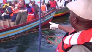 Dezenas de pessoas morreram no naufrágio de uma balsa no Lago Vitória, Tanzânia.
