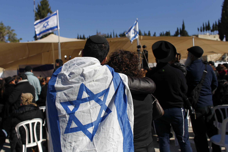 Funeral em Israel das vítimas do atentado contra uma mercearia judaica de Paris.
